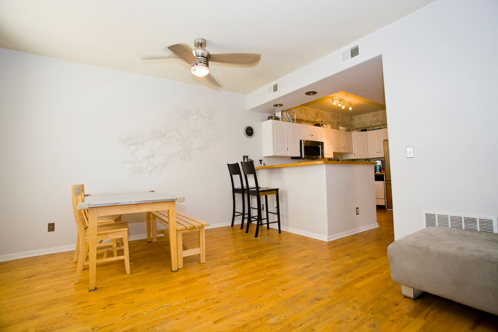 Walk to everything Downtown- 2 BR