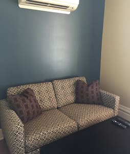 Newly renovated Historic hotel - Saint Clairsville - Apartment