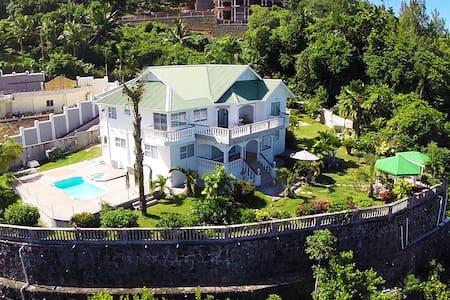 Villa Bel Age - Vila