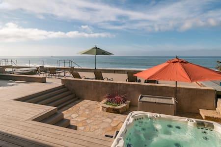 Classic Faria Beach House - Ventura