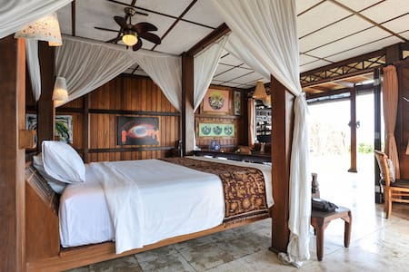 Ocean Front Mandala Suite East Bali - Haus