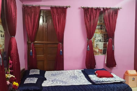 Private Flat in Central Location - Apartment