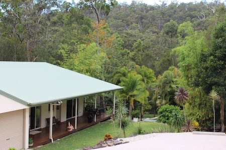 Tranquil Bungalow on Acreage in Mudgeeraba Forest - Bonogin - Bungalow
