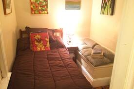 Picture of Single Bed in Great Place on Munjoy
