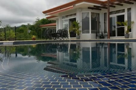 UPSCALE Costa Rica OASIS RETREAT! - Jaco - House
