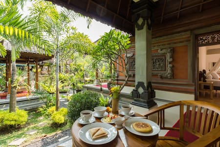 Asik Balinese Guest House - Bed & Breakfast