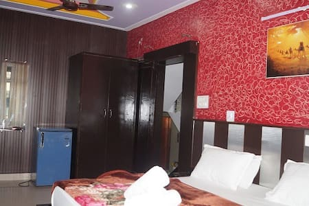 HOTEL TRISHUL - Bed & Breakfast
