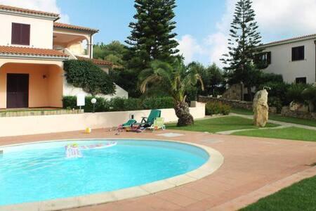 """Trilocale Residence """"Sa Pedra Romantica"""" PP F6 - Monte Petrosu"""