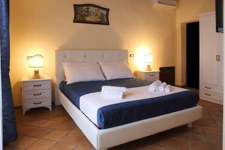 B&B Palazzo Madeo - Res. d' Epoca - Bed & Breakfast