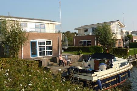 Watervilla Noorderbries - Villa