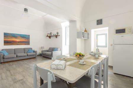Spacious apartment in Marsala heart