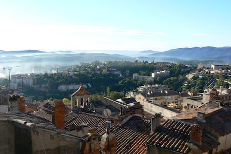 Bijou duplex in heart of Grasse