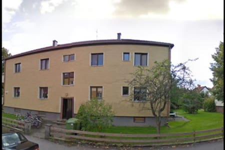 Close to arena-European AthelticsJC - Apartment