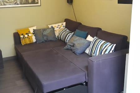Cosy room in a quiet house - Hus