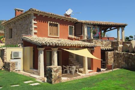 Z-Villa al mare chic e confortevole - Is Molas - House