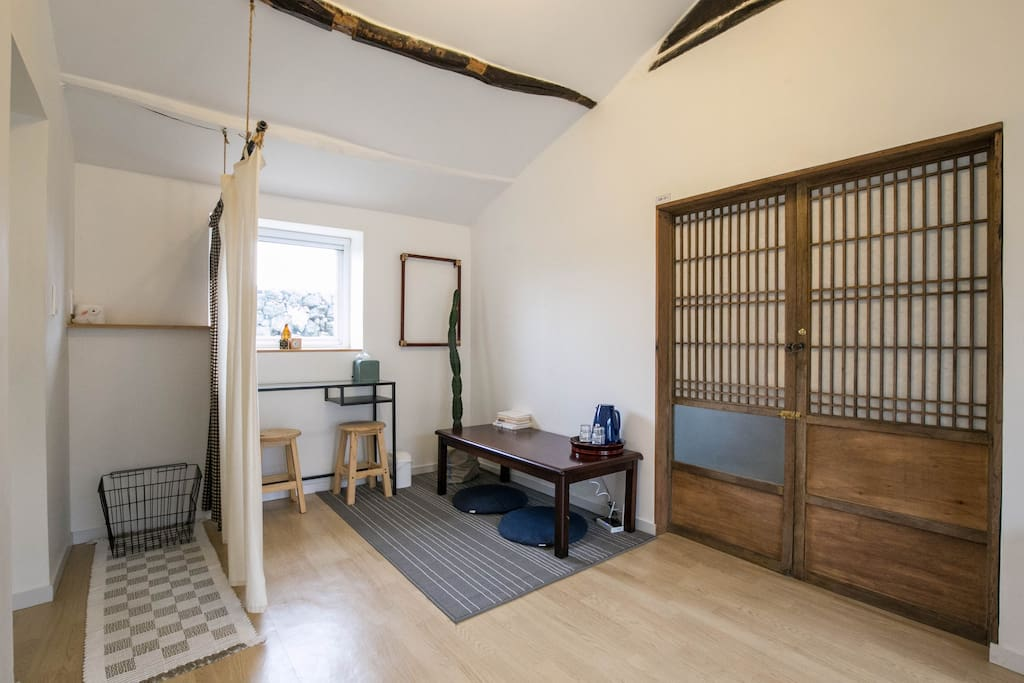 Rabbit hole guesthouse(Double room)