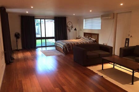 Lovely, cosy, selfcontained flat - Shepparton