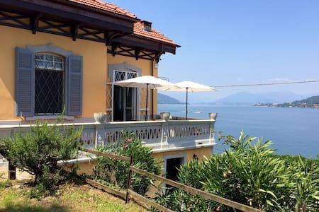 Bright villa with private beach - Arona - Villa