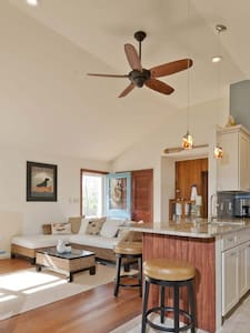 Beach house in wine country - Southold - House