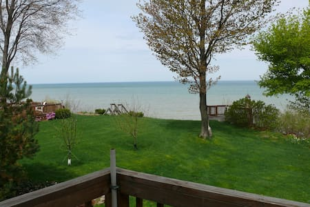 Beautiful Cottage on Lake Erie - 东北 - 小木屋