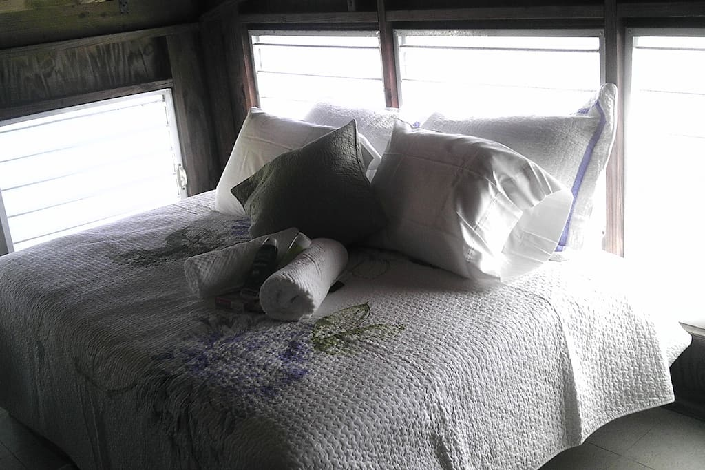Full size bed.  From this bedroom you can see the bay tru the windows.
