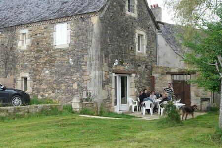 Cottage in Peyrignac in Dordogne