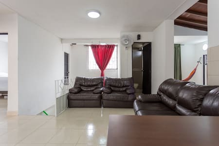 Room type: Entire home/apt Property type: House Accommodates: 9 Bedrooms: 4 Bathrooms: 2