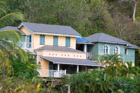 Spectacular villa for sunsets, beaches & enjoyment - Gros Islet - Villa