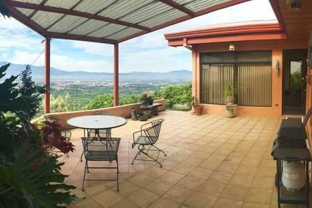Casa Cerro Verde de Yoga - Master #2 - Ház