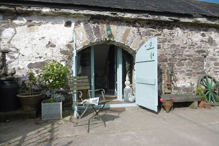 PADDY`S BARN, our cosy rural retreat! - Dungarvan