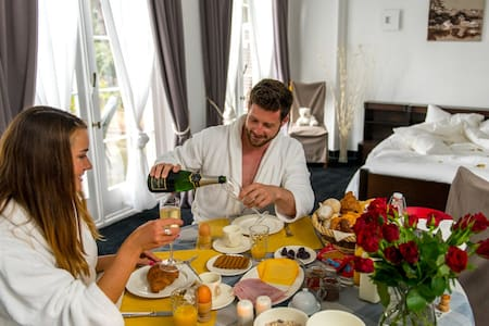 Luxurious wellness B&B - Szoba reggelivel