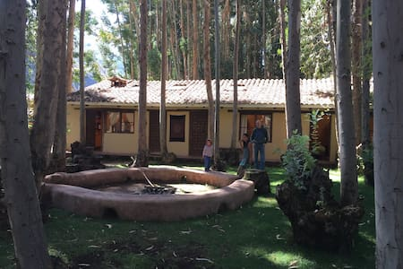 Peaceful cabin and garden in Pisac - Blockhütte