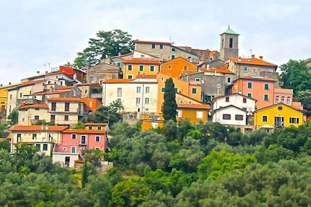Giucano, Borgo del Campanile - Giucano