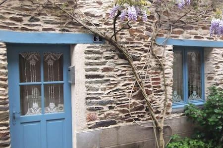 MAISON ANCIENNE RENOVEE - House