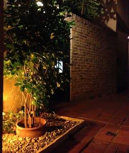 Hermosa casa de pasillo en el barrio de Pichincha. - Hus