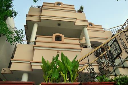 Raaga Homestay.(www.raagahome.com) - Udaipur - Bed & Breakfast