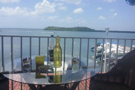 Chic Guadeloupe flat w/ scenic view - Apartment