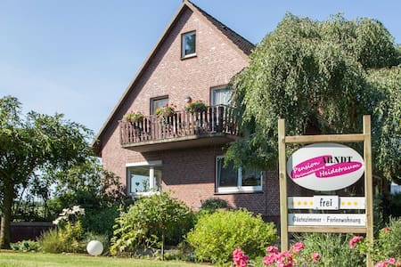 Pension Heidetraum Arndt - Bed & Breakfast