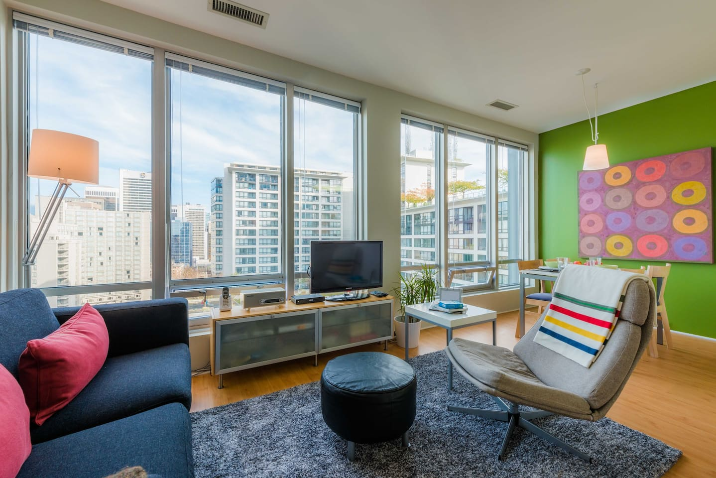 Living area with a gorgeous view of downtown