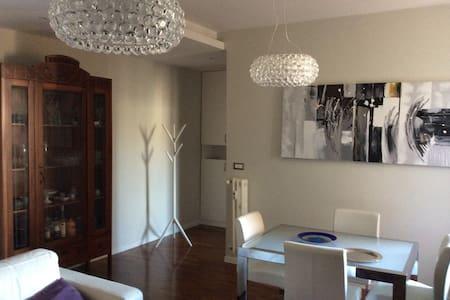 Room in luxury flat