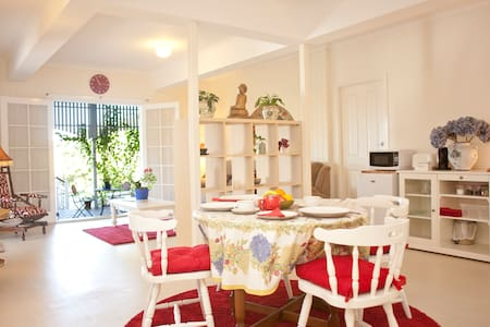 Lovely and Spacious Queenslander