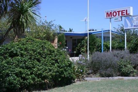 Lake Bolac Motel - Queen Room - Lake Bolac