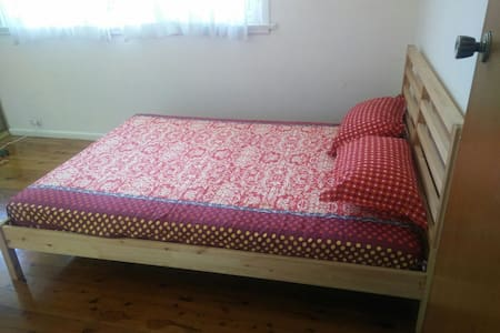 1 bed room in Eastwood - Maison