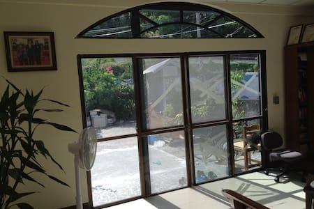 FP Friendly Pleasant  Home Stay - Penzion (B&B)