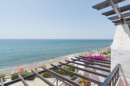 High end - ON BEACH apartment - Appartement