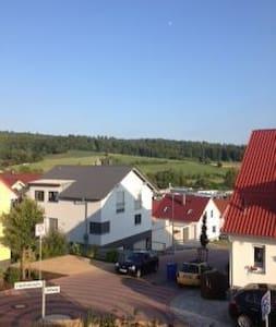 Doppelhaushälfte mit eigenem Garten - Hus