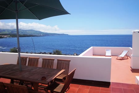 Milu´s House! seaview! by the beach - House