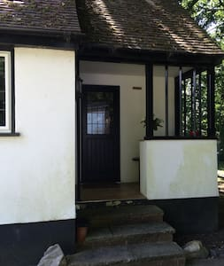Studio cottage in countryside - House