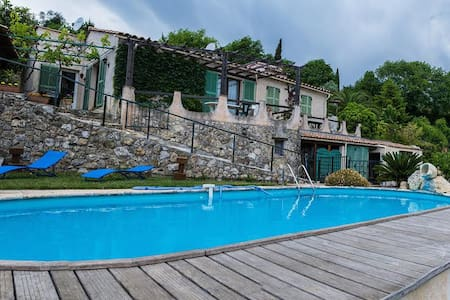 Maison plein pied  calme +piscine - Gattières - House