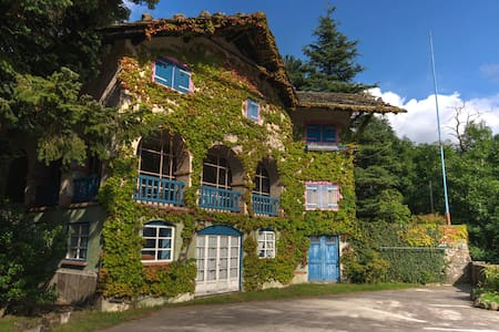 Fairy tales house in the heart of Italian Alpes - Ala di Stura - Haus
